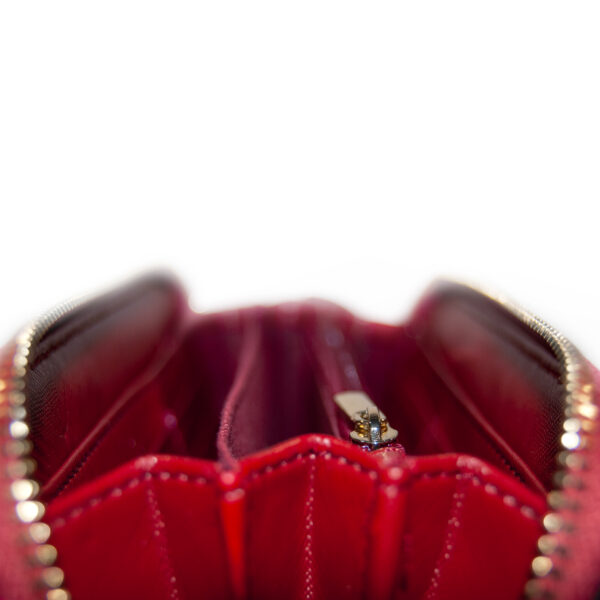 portafogli in pelle martellata rosso